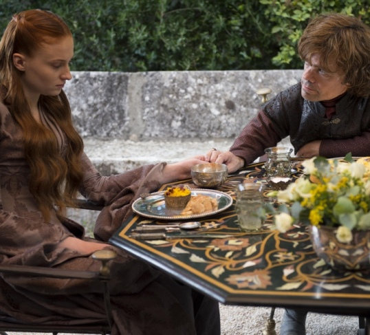 game-of-thrones-season-4-sophie-turner-as-sansa-stark-peter-dinklage-as-tyrion-lannister_photo-macall-b-polay_hbo8